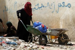 Yemeni Cities Running Out of Clean Water Due to Saudi Blockade