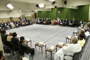 Leader Receives Participants in OIC Inter-Parliamentary Meeting